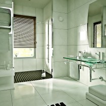 Painting Spaces: Remodeling the Bathroom Yourself